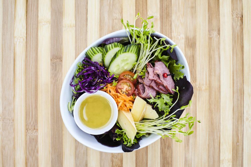 5- La salade estivale aux saveurs d'ici de chez Concept Gourmet (Saint-Marc-des-Carrières)